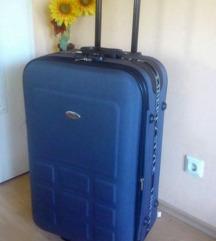 Novi kofer (55cm x 40cm x 20cm), boja tamno siva