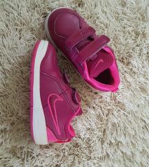 Dječje Nike tenisice broj 25