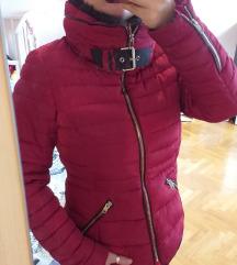 Crvena topla jakna