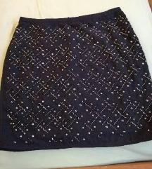 Crna suknja 10 kn