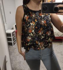 Cvjetna majica Stradivarius