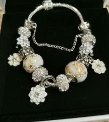 Pandora narukvica, bijeli cvjetovi, nova