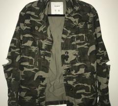 Pull & Bear vojnička jakna