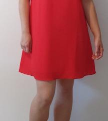 Lepršava crvena haljina