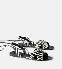 Zara sandale na vezanje