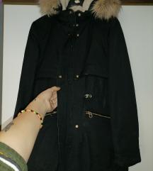 Zara jakna s krznom