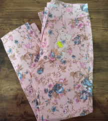 Nove cvjetne hlače