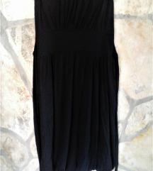 Crna haljina golih ramena
