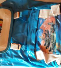 Plastični plavi ruksak