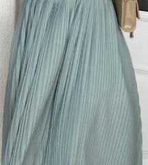 Svecana haljina, nosena samo jednom