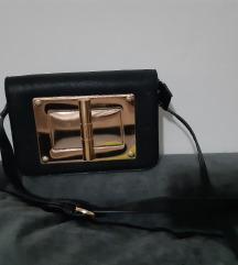 Crna mala torbica