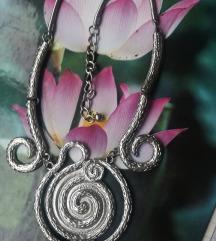 Nova srebrena ogrlica 59kn