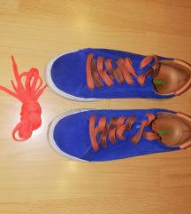 sportska cipela