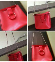 Zara crvena torba