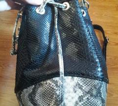 Čupa bags snake print bucket bag