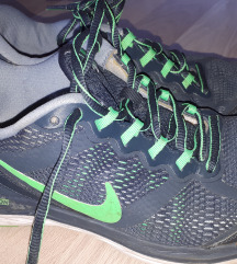 Nike tenesice 37.5