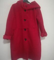 % Nenošeni crveni kaput