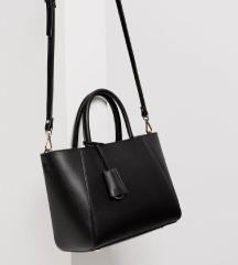 Zara crna torba srednje veličine