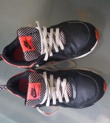 Original Nike air max tenisice br.33