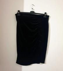 Baršunasta crna suknja