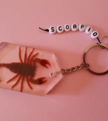 privjesak škorpion