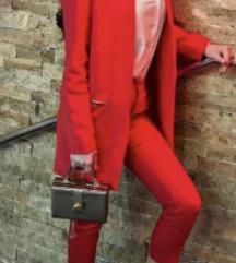 Straduvarius komplet crveni sako i hlače S