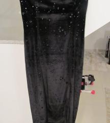 Mala crna baršunasta haljina