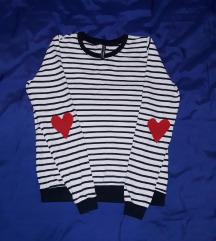 Majica na prugice sa srcima