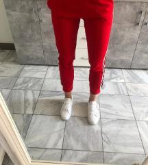 Lot tenisice i hlače