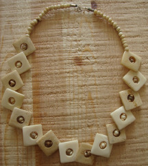Ogrlica 2 (devina kost)