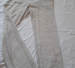 Lagane hlače boje leda