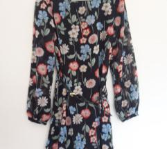 Kratka cvjetna lagana haljina