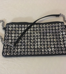 Zara rokerska crna torbica