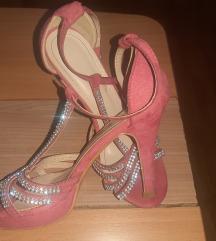 Sandale  na petu vel 37