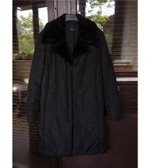 Crna jakna s crnim krznom