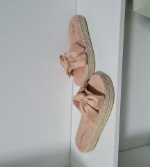 Papuce nove broj 38 samo 50kn