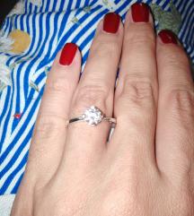 Srebrni prsten s cirkonom 💍Novo