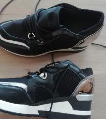 Cipela/patika na punu petu 40