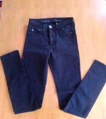 Crne rastezljive H&M traperice, S