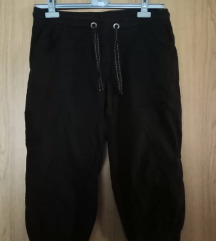 Capri crne hlače