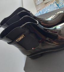 Nove čizme  Tommy H. 39