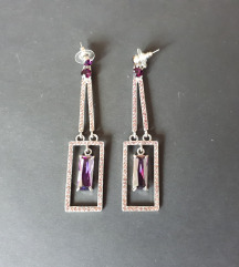 Metalne naušnice s ljubičastim kristalima