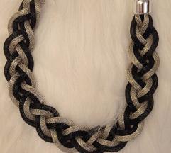 Posrebrena srebrno crna ogrlica
