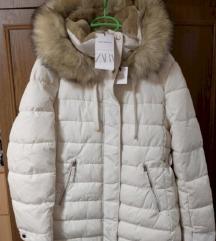 Nova ZARA bijela jakna sa etiketom