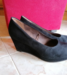 Crne cipele na punu petu, brušena koža