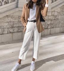 Moderna Zara odjeća/kao novo