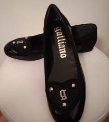 Nove lakirane cipele (40) AKCIJA - 300 kn