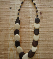 Ogrlica 1 (devina kost)