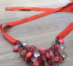 %! MAX&CO koraljna ogrlica, nova