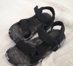 Sportske sandale 32